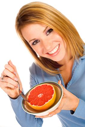 139902-284x423-Eating-Grapefruit